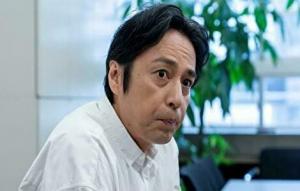 徳井義実が脱税でやつれた姿でインタビューに答えているところ