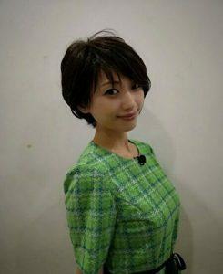 松本まりかがショートヘアにした写真