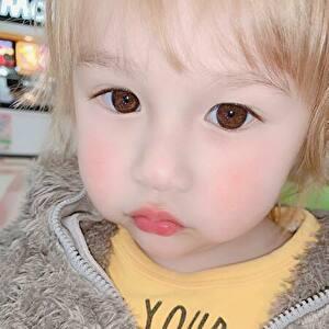村重杏奈の弟
