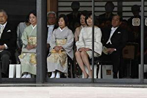 安倍昭恵夫人が天皇即位の際に見せたワンピース姿