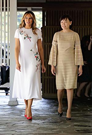 コード 昭恵 夫人 ドレス