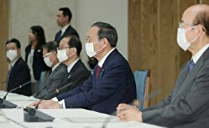 菅官房長官のマスク姿