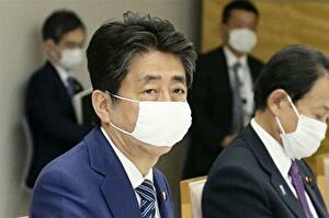 安倍総理の2020年3月末のマスク姿