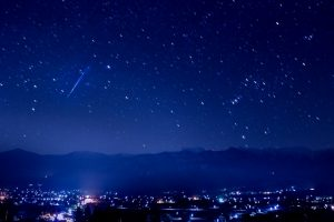 流れ星がある星空